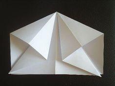 Papierflieger Faltanleitung 4