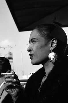 Billie Holiday  Such a class act!
