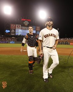 What a team! Giants Players, Madison Bumgarner, San Francisco Giants Baseball, Giant Games, My Giants, G Man, Buster Posey, Baseball Field, A Team