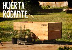 Huerta Rodante! Diseñada con capacidad para sembrar todas las vareidades de la huerta y con ruedas para mover donde esté el sol.   Están hechas en madera tratada y trae una protección interior para extender la vida útil.    MEDIDAS:  80cm x 40cm x 30cm