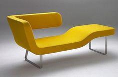 René Šulc těsně spolupracuje s výrobcem nábytku MM Interiér. Jedním z plodů jejich spolupráce je i tato pohovka Chaise Lounge.