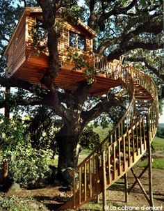 Lovely wooden staircase !!