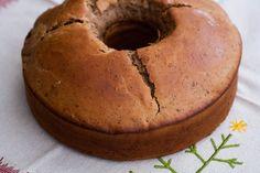 A pesar de que el Roscón de Reyes es el protagonista en los próximos días, puedes probar a preparar este bizcocho navideño para complementar la noche de reyes. http://www.saboresytexturas.com/wp/recipe-items/bizcocho-navideno/