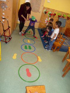 Kapcsolódó kép Kapcsolódó kép is part of Preschool games - Motor Skills Activities, Movement Activities, Gross Motor Skills, Educational Activities, Learning Activities, Preschool Education, Preschool Learning, Toddler Activities, Preschool Activities