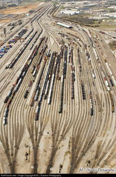 Net Photo: None BNSF Railway Yard at Memphis, Tennessee Ho Trains, Model Trains, Diorama, Model Railway Track Plans, Old Steam Train, Bnsf Railway, Railroad Pictures, Railroad History, Rail Transport