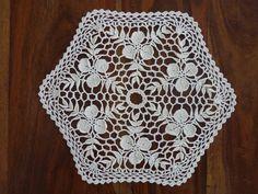 Napperon écru au crochet joli motif irlandais en coton : Accessoires de maison par creavanda Couture, Etsy, Patterns, Vintage, Handmade, Wool Yarn, Blouses, Tejidos, Pretty Patterns