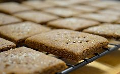 green girl eats: vegan whole wheat graham crackers