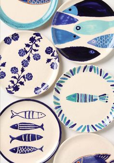 Vernazza Canape fish Plate - handmade in Portugal Pottery Painting, Ceramic Painting, Ceramic Art, Ceramic Plates, Ceramic Pottery, Sharpie Plates, Sharpies, Fish Plate, Paint Your Own Pottery