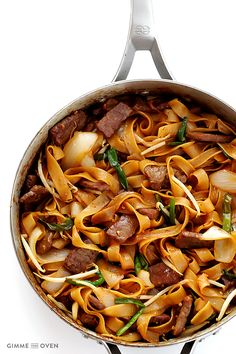 Beef Chow Fun (Beef & Noodles Stir-Fry) Recipe Food Asian Share and enjoy! Beef Noodle Stir Fry, Beef And Noodles, Pasta Noodles, Stir Fry Recipes, Beef Recipes, Cooking Recipes, Healthy Recipes, Fun Recipes, Noodle Recipes