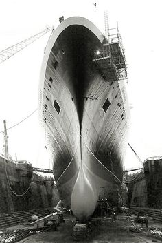 QE2 at the drydock