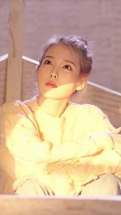 Korean Actresses, Korean Actors, Iu Moon Lovers, Korean Celebrities, Celebs, Iu Hair, Warner Music, Young K, Kdrama Actors