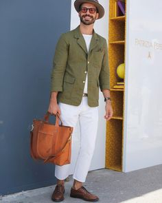 ALF — Another pic of at Pitti Uomo 90 Firenze. Men Street Look, Street Style, Sharp Dressed Man, Looks Style, Men's Fashion, Fashion Boots, Jacket Style, Hipsters, Men Casual