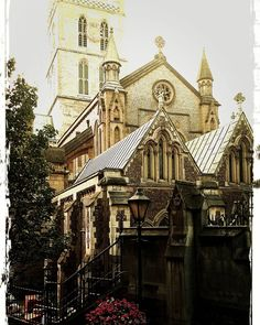 O Father bless thy child www.couchflyer.com #london #londonbridge #southwark #cathedral #church #thames #boroughmarket #england #greatbritain #europe #thames