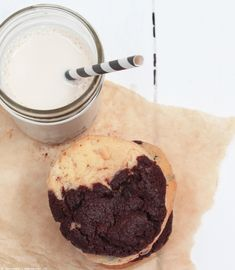 Dark Chocolate & Peanut Butter Cookies | whatinaloves.com