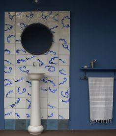 Un carrelage mural poétique, salle de bain, bathroom