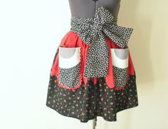 Ghoulia Inspired Apron- Rockabilly Apron- Guro Lolita Cosplay Apron- Zombies.  via Etsy. Monster High fans