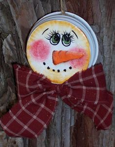 Another Snowman zinc painted jar lid. Christmas Snowman, Winter Christmas, Christmas Holidays, Christmas Decorations, Christmas Ornaments, Snowman Crafts, Christmas Projects, Holiday Crafts, Painted Ornaments