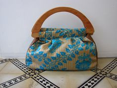 Beautiful bag.  I think I could go from garden to evening with this.