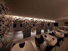 Granny F. Salon by Hiroyuki Miyake, Aichi Japan store design Beauty Salon Interior, Salon Interior Design, Salon Design, Thick As A Brick, Hanging Light Bulbs, Brick Patterns, Brickwork, Cafe Restaurant, Retail Design