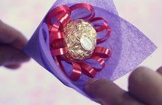 Muttertagsgeschenke selber basteln strauß aus bonbons