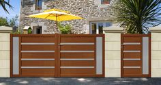 COFRECO - Portail en aluminium aspect bois. www.cofreco.com House Gate Design, Modern Garage Doors, Exterior Stairs, Entrance Door Design, Entrance Gates Design, Front Gate Design, Front Door, House Paint Exterior, Exterior Doors