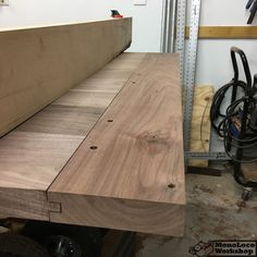 Ty Moser from the MonoLoco Workshop provides detailed articles, videos and plans for DIY home and shop projects focusing on woodworking. Diy Dining Table, Rustic Table, Wood Tables, Kitchen Tables, Kitchen Cabinets, Dining Room, Farm Tables, Trestle Table, Side Tables