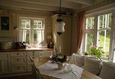 I'm in love with this kitchen. Husmannsplassen i Hidlesundet: Ommøblering