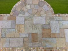 Same mateerial but a contrasting pattern for installation. Our Indian Sandstone in Delamere, using half a circle to create a more interesting patio. Small Covered Patio, Small Patio, Garden Design Plans, Patio Design, Backyard Designs, Patio Gazebo, Backyard Patio, Paver Designs, Paving Ideas