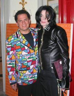 O artista, que fará 50 anos em outubro, com Michael Jackson