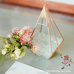 Keep it super simple when decorating your table! Take inspiration from geometric shapes for your next party! | The Party Goddess! #decor #diy #eventplanner #partyplanning Geometric Decor, Geometric Shapes, Summer Parties, Holiday Parties, Table Centerpieces, Table Decorations, Party Themes, Theme Parties, Diy Party