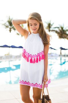pink tassel cover up | summer fashion tips | summer style ideas | pool side fashion | what to wear to the pool | summer outfit ideas | beach friendly fashion | how to style a cover up | style ideas for the summer | warm weather fashion || a lonestar state of southern