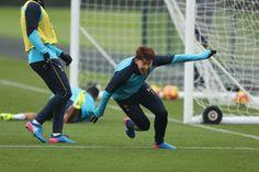 Tottenham Hotspur, Twins, Soccer, Sports, Hs Sports, Football, European Football, Sport, Soccer Ball
