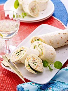 Weizen-Tortillas köstlich gefüllt und gerollt: Thunfisch-Wraps