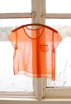 Lovely picture from Hound Design. I love the simplicity and the transparency of the top...