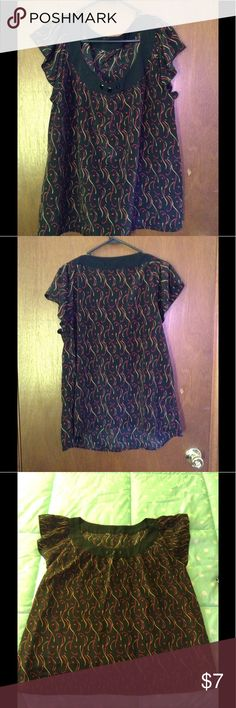 😎 Very pretty, comfortable multi color top. Very pretty, comfortable multi color pattern over black. No size tag, ripped off intentionally was too big and uncomfortable. Size 1X guaranteed. True to size. No rips, stains or wholes. (EUC). unknown Tops Blouses