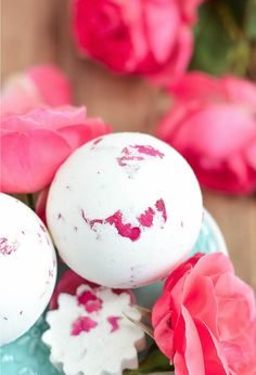 Bombes pour la bain à la rose