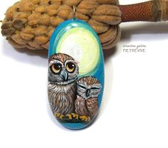 Owl-and-baby-stone-pendant-hand-painted