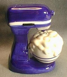 mixer salt and pepper shakers  Hahaha inspired by my lovely kitchenaid mixer!