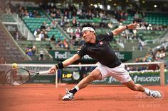 【5月23日 AFP】全仏オープンテニス(French Open 2016)は22日、男子シングルス1回戦が行われ、大会第5シードの錦織圭(Kei Nishikori)は6-1、7-5、2-1でシモーネ・ボレッリを破り2回戦へ