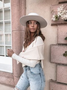 K-laa W. - Muted 27 Years Old, Henley Top, V Neck Tops, Urban Outfitters, Stylists, Chic, Model, Outfits, Fashion