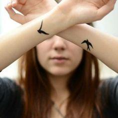 Tatouages poignet oi