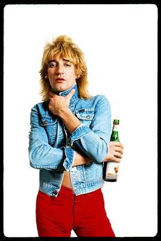1977 Rod Stewart- Tonight's the Night (don't remember if that song was from… Recital, Good Music, My Music, 1970s Music, Rock Of Ages, Rod Stewart, Rockn Roll, Glam Rock, Celebs