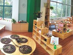 The newest Hong Kong preschool with a Reggio Emilia Approach: EtonHouse International School opens in Tai Tam Classroom Layout, Classroom Setting, Classroom Design, Classroom Decor, Space Classroom, Modern Classroom, Classroom Organization, Reggio Emilia Classroom, Reggio Inspired Classrooms