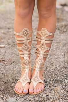 Thigh High Sandals, Gladiator Sandals Heels, Mode Shoes, Stylish Sandals, Women's Feet, Crazy Shoes, Summer Shoes, Fashion Shoes, Women's Fashion