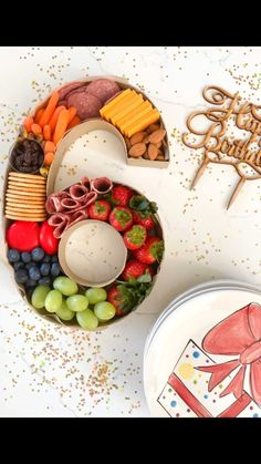 Charcuterie Recipes, Charcuterie And Cheese Board, Charcuterie Platter, Cheese Boards, Diy Birthday Number, Birthday Fun, Birthday Party Food For Kids, Birthday Party Appetizers, Birthday Party Snacks