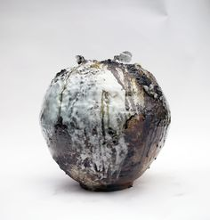 Akiko Hirai Moon Pot