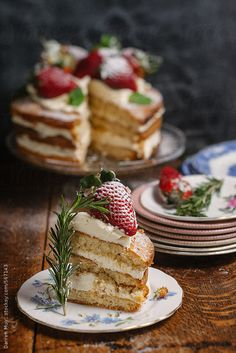 Genoise Sponge with Chantilly Cream and Strawberries