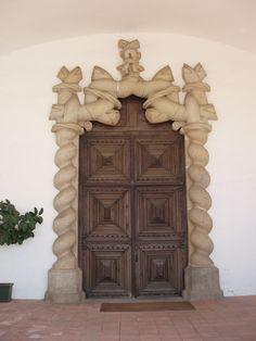A Porta dos Nós da Igreja do Carmo.(Évora - Portugal)