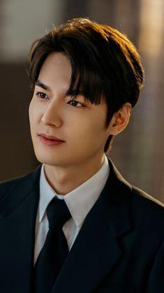 He's too pretty I can't handle Lee Min Ho Images, Lee Min Ho Photos, Lee Dong Wook, Lee Jong Suk, Asian Actors, Korean Actors, Lee Min Ho Smile, Lee Min Ho Wallpaper Iphone, Lee Minh Ho