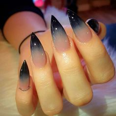 Cool Halloween Nail Art Designs for Creepy Halloween Nails; sweet hello … Cool Halloween Nail Art Designs for Creepy Halloween Nails; sweet hello … For other models, you can visit the category. For more ideas, please visit our homepage. Witchy Nails, Goth Nails, Grunge Nails, Stiletto Nail Art, Toe Nail Art, Stiletto Nail Designs, Nail Nail, Nail Glue, Matte Nails